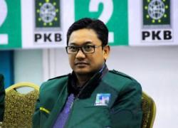 Malik Ragukan Komitmen Pemerintah Tuntaskan Honorer K2